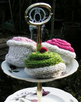 Free cupcake downloadable knitting pattern