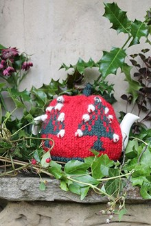 Christmas Tree Cosy (2013) - Downloadable Knitting Pattern