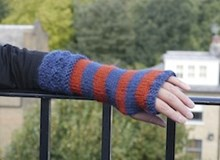 Striped Gauntlet - Knitting kit