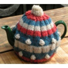 Knitted Clemantine tea cosy