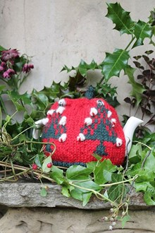 Christmas Tree Cosy (2013) - Knitting kit